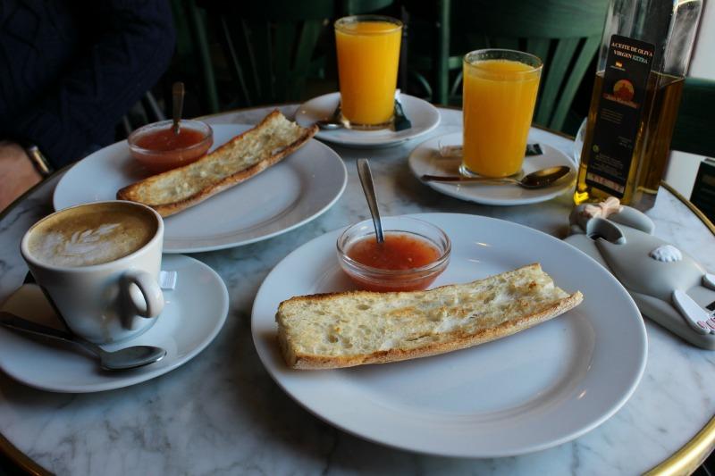 Desayunos fuera de casa la noria outlet shopping - Desayunos en casa ...