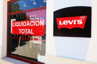 Liquidacion total de stock por renovacion de Levis en La noria murcia