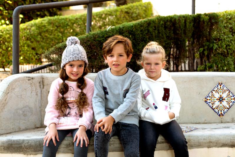 Niños estilosos niños Charanga en La Noria Outlet