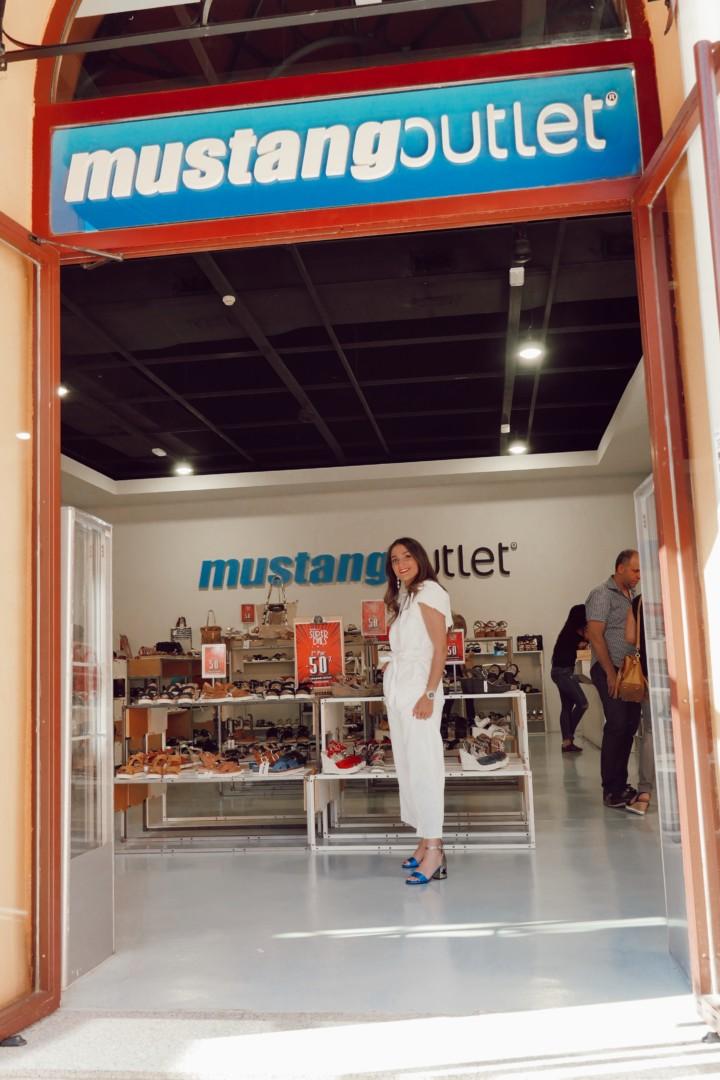 Zapatos de verano de vestir en la tienda Mustang de La Noria Outlet
