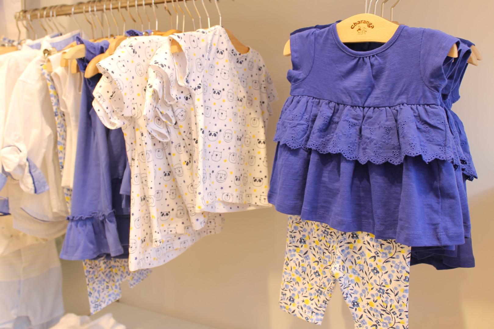 Prendas de colores azules y fríos para niños