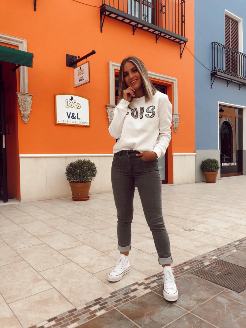 Looks de diario en Lois con Jeans y camiseta