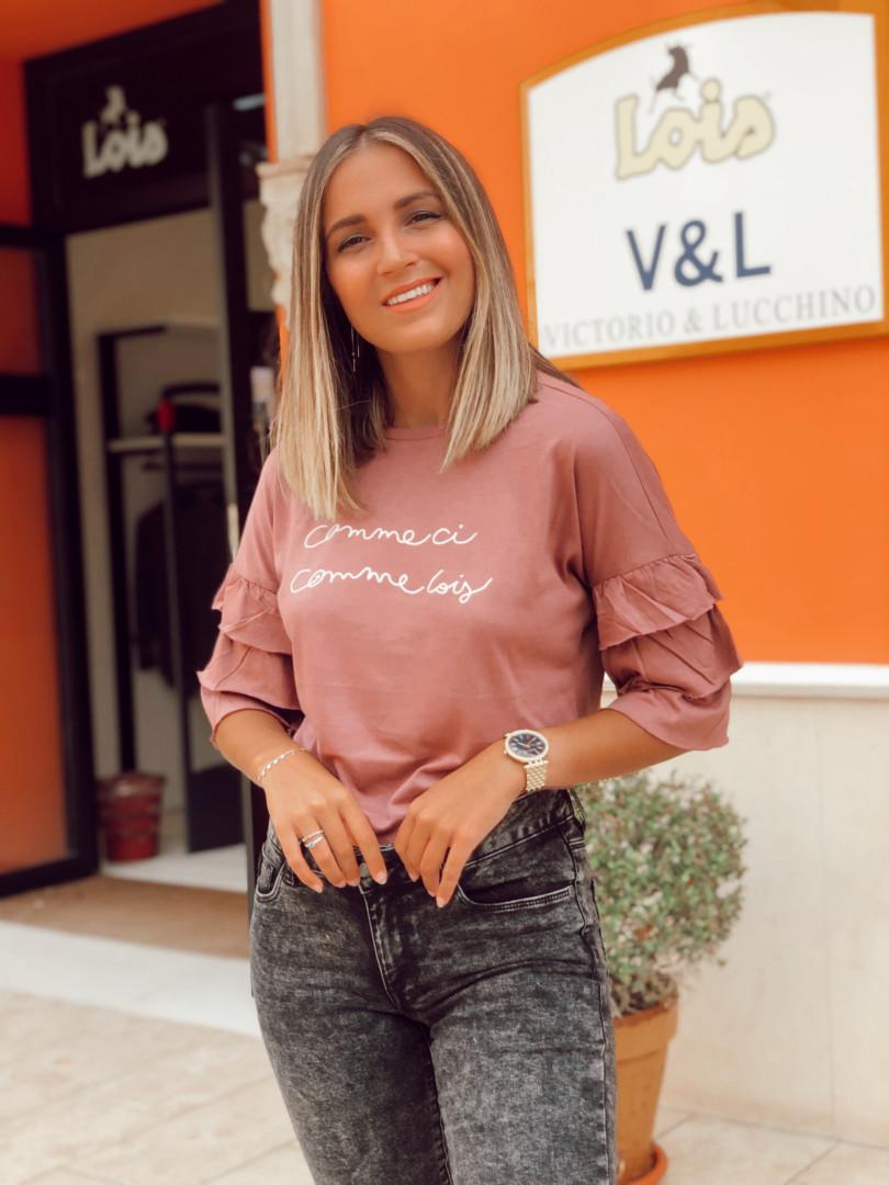 Camiseta y jeans en Lois