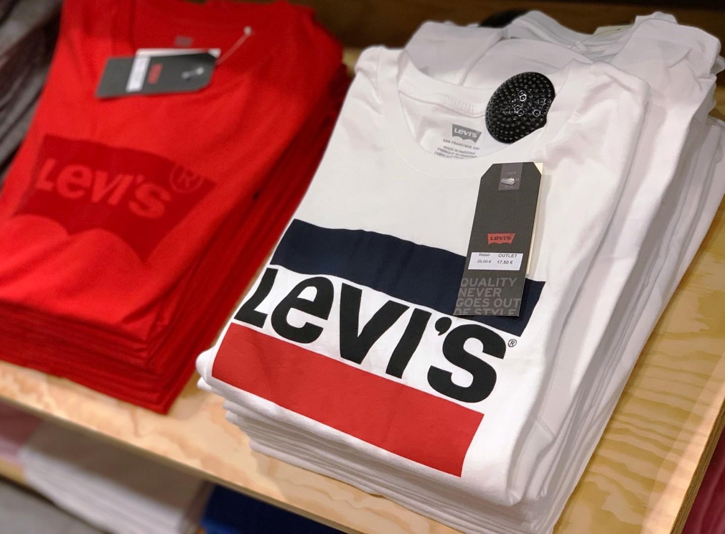 Camisetas con el logo de Levi´s