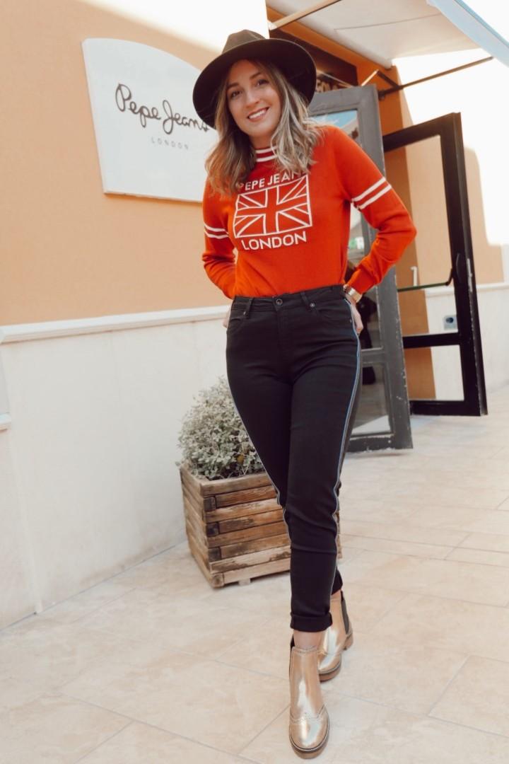 Look de jersey rojo de Pepe Jeans