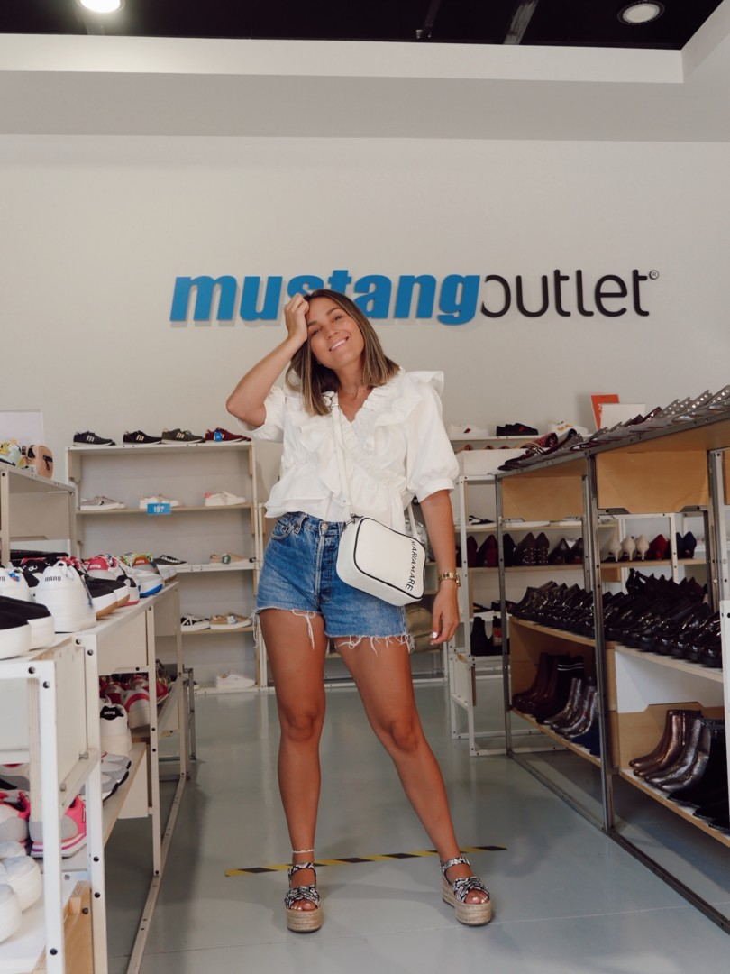 Zapatos y sandalias de verano en Mustang en La Noria Outlet