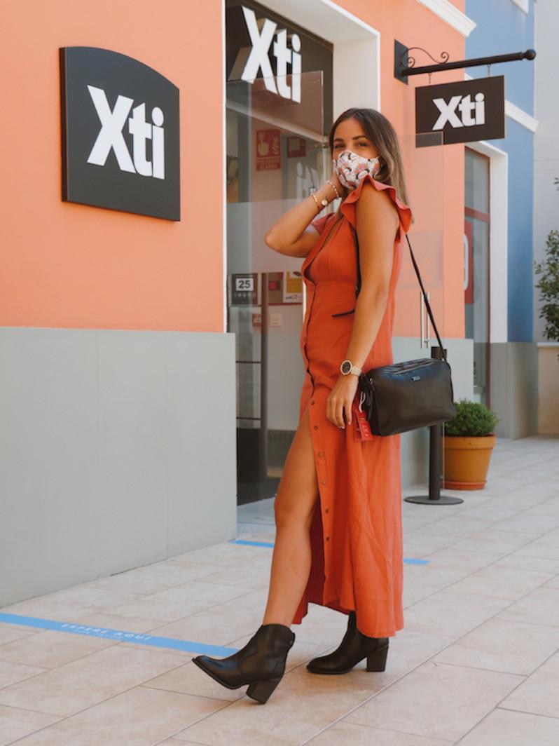 Zapatillas y botines XTI
